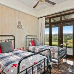 Highfield Ranch & Farm House - Ranch bed 4